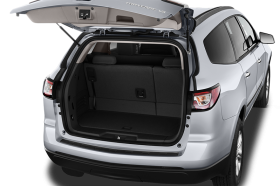 2017-chevrolet-traverse-ls-fwd-suv-trunk